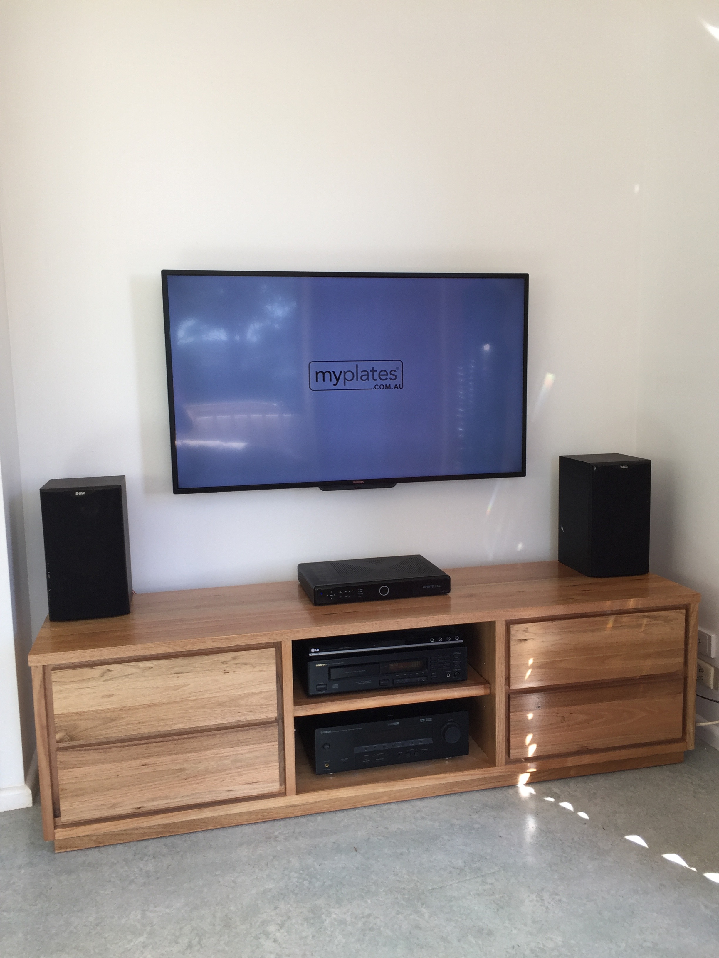 Television Installation and Wall Mounting Narraweena