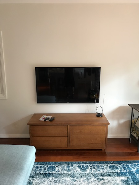 Samsung TV Wall Mounting and Installation with Child Lock